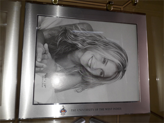 UWI 2-TONE PHOTO FRAME (FITS 8x10 PHOTO)