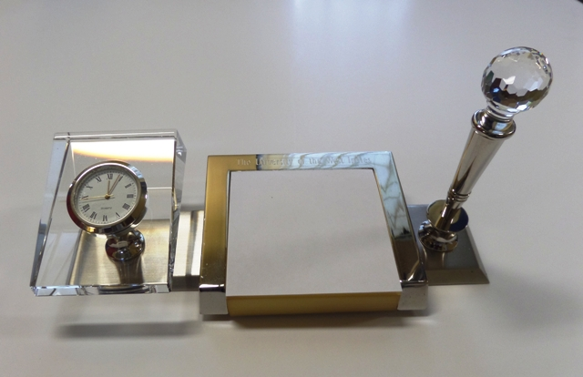 UWI CRYSTAL CLOCK PEN WITH MEMO HOLDER